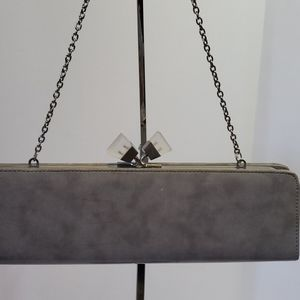 SONDRA ROBERTS Kiss Lock Chain Clutch